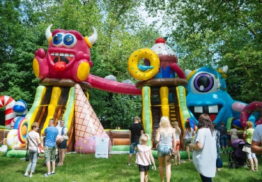 Mali Giganci Wipeout Planet - dmuchańce dla dzieci - zjeżdżalnie dmuchane (31)