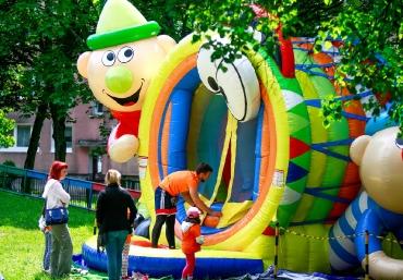 Mali Giganci Wipeout Planet - dmuchańce dla dzieci - zjeżdżalnie dmuchane (38)