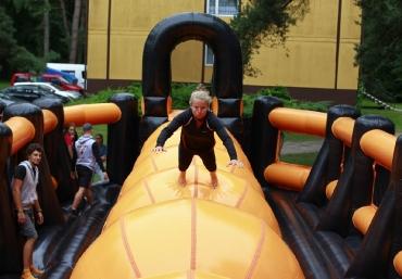 Giganci Wipeout Planet - gigantyczne dmuchane tory przeszkód na twoją imprezę (4)