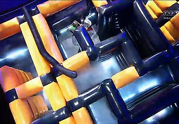 gigantyczny dmuchany tor przeszkód Rubikon arena (17)