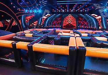 gigantyczny dmuchany tor przeszkód Rubikon arena (5)